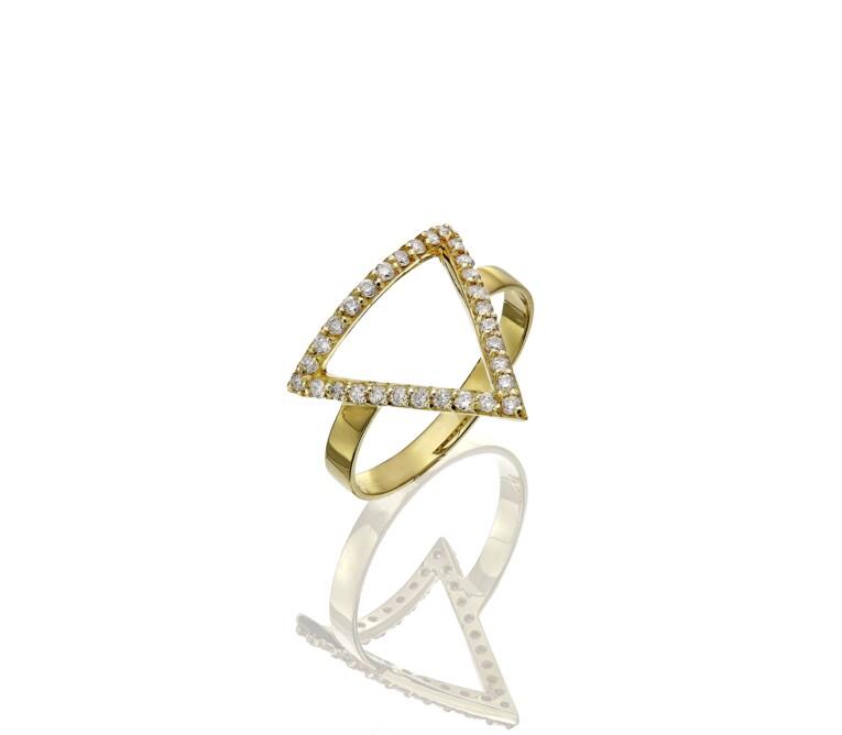 Anel de Ouro com Diamantes em formato de triangulo