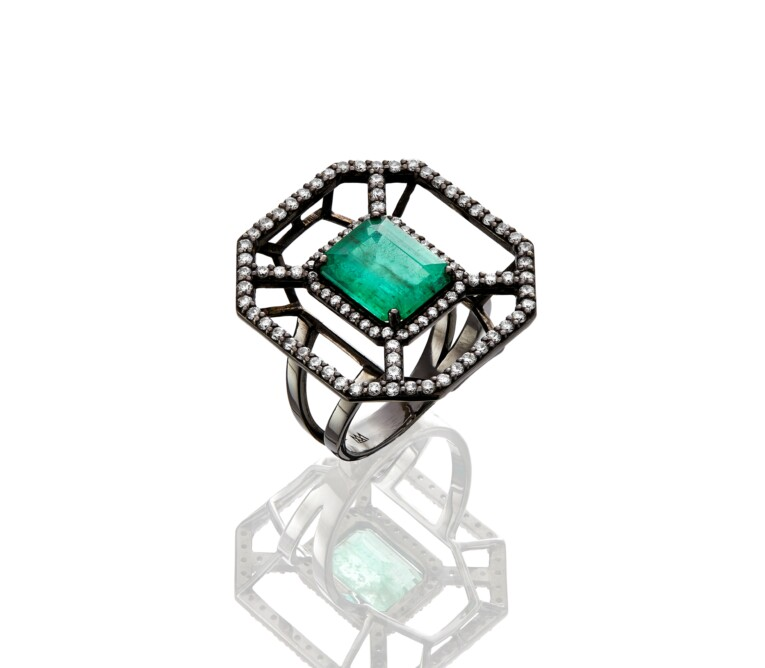 Anel de Esmeralda com Diamantes