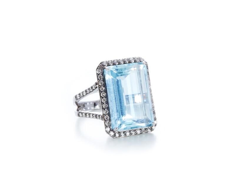 Anel de agua marinha com Diamantes